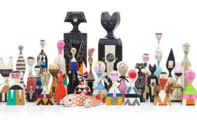 Wooden Dolls Vitra sculture in legno